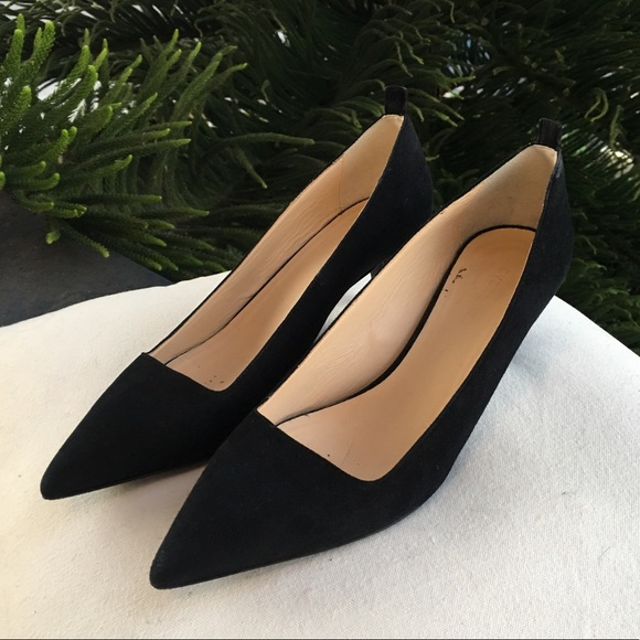 178108de29 Everlane Shoes - Everlane 'Editor Heel' pointed toe kitten heel.